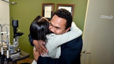 Dr Nirosha Paramanathan greets Chris Lee.
