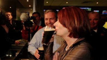 ...and sipping a Tooheys Old with local candidate Jim Arneman at the Lakeside Tavern at Raymond Terrace last night.
