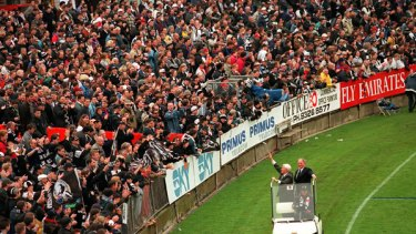 Lou Richards and Bob Rose take a spin around during Cllingwood's last home game in 1999 at Victoria Park.
