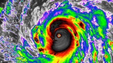 Typhoon Meranti had one-minute sustained winds reaching 305km/h .