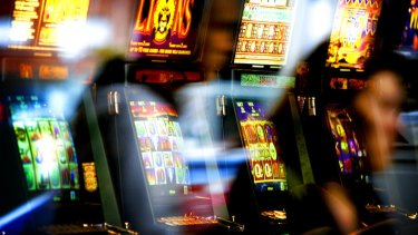 The government is considering using loyalty programs to entice gamblers to pre-commit to pokie limits.