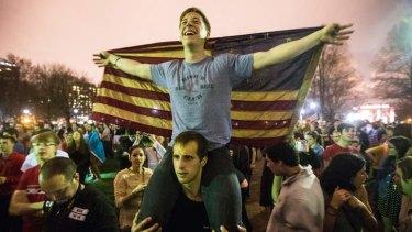 Boston residents celebrate the capture of Dzhokhar Tsarnaev.