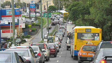 Traffic gridlock on Moggill Road, approaching the Indooroopilly roundabout.