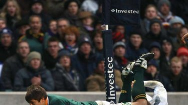 Willem Alberts continues his tremendous record of scoring tries for the Springboks after coming off the bench.