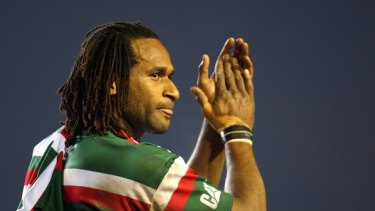 Lote Tuqiri playing for  Leicester.