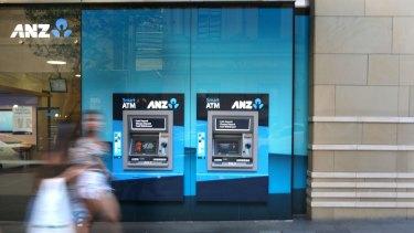Markets Live: Banks slug ASX as inquiry rolls on