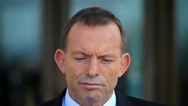 Opposition Leader Tony Abbott is refusing to back the government's attempt to legislate for its 'Malaysia solution'.