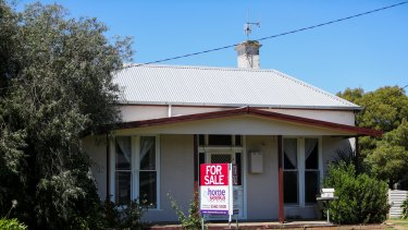 STANDARD, NEWS, STOCK, GENERIC, FILE, GENERAL, WARRNAMBOOL HOUSE, HOUSING, RENT, SOLD, 191028. Pictured: Home Seeka Real Estate for sale sign. Picture: Morgan Hancock