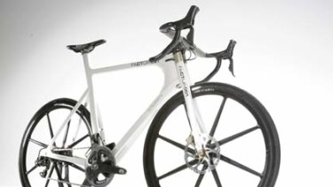 Beru's f1 Factor 001 is the world's most technically advanced road bike designed by Formula One engineers. It's lightweight and robust with a carbon monocoque frame.