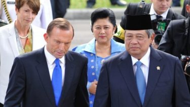 There is speculation that Tony Abbott cancelled a trip to meet Indonesia's President Susilo Bambang Yudhoyono to prevent embarrassment over the latest asylum boat incident.