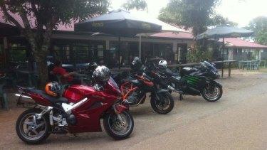 Bikes outside Miala Teahouse at Mt Glorious.