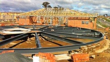 Round house ... Girasole under construction.