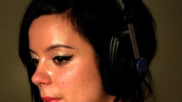 """Lily Allen ... hates how """"glossy"""" celebrities look."""