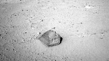 An image collected NASA's Mars rover Curiosity during the mission's 43rd Martian day, ending with this rock about 2.5 metres in front of the rover.