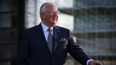 Bidding for the biggest US miner could be one way for Rio boss Sam Walsh to deter Glencore, but it's not without risks.