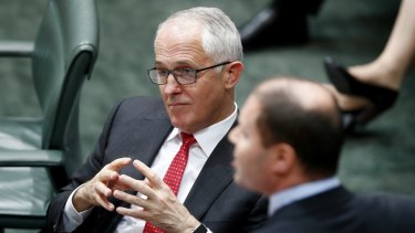 Malcolm Turnbull has urged AGL to put consumers before shareholders and agree to sell Liddell power station.