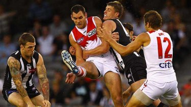 Sydney Swans in action against Collingwood.