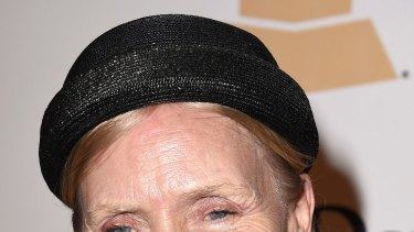 Legendary singer Joni Mitchell says she suffers from Morgellons disease.
