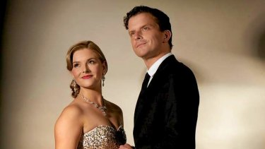 Leon Ford as Elyot Chase and Lucy Durack as Sybil Chase in the Melbourne Theatre Company's <i>Private Lives</i>.