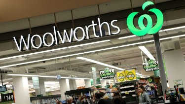 Woolworths is still outperforming Coles in the eyes of suppliers but its aggressive price mitigation strategies are damaging relationships.