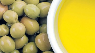 Should we avoid heating olive oil in case it oxidises and forms harmful free radicals?