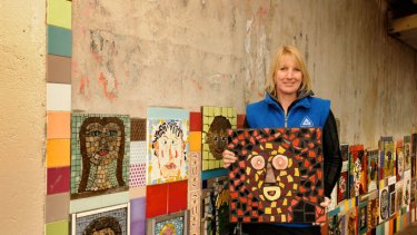 Pamela Irving was inspired by the ancient mosaic traditions of Italy and India.