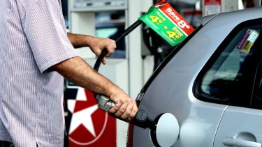 Coles and Woolworths' past fuel discounts his 14c a litre.