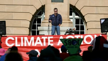 Queensland secretary for the Electrical Trade Union, Peter Simpson, speaks at the National Climate Emergency Rally at Queens Park, Brisbane.