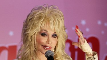 Dolly Parton woos the Sydney media with some good ol' Southern charm.