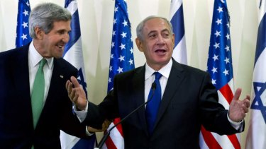 US Secretary of State John Kerry, left, and Israeli Prime Minister Benjamin  Netanyahu   seemed relaxed after a lengthy meeting on the the need to remove all of Syria's chemical weapons.