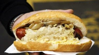 Top market eats ... Bratwurst in a bun.