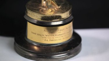 Close up: Orry-Kelly's Oscar for <i>An American In Paris</i>.