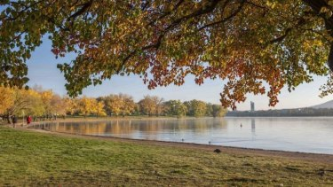 Lake Burley Griffin is at its best in autumn.