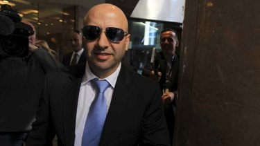 Paul Obeid leaving the ICAC inquiry.