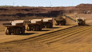 The global price of iron ore has slipped below $US100 a tonne for the first time since late 2009, with experts predicting future falls.