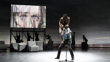 Dancers Lauren Langlois and Stephen Phillips in Complexity of Belonging.