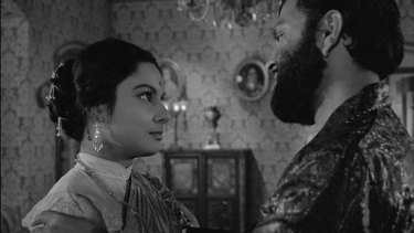 Madhabi Mukherjee as Charu, who, like a caged bird, longs for freedom, even as her oblivious husband dreams of Indian independence.