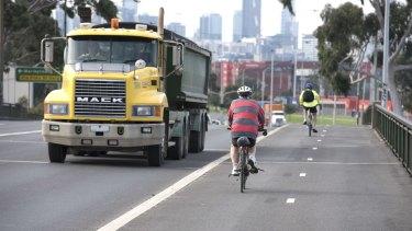 Shepherd Bridge truck and bicycle traffic