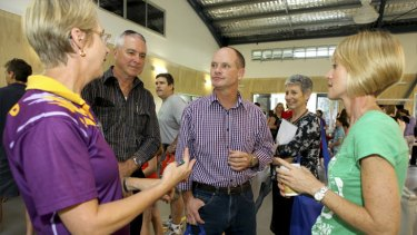 LNP leader Campbell Newman campaigns in the seat of Ashgrove.
