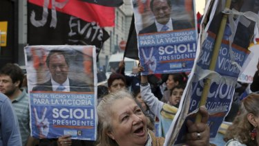 Supporters of presidential candidate Daniel Scioli in Buenos Aires.