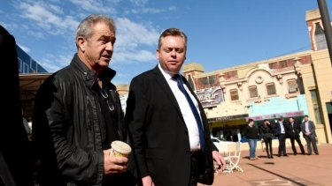Directing again: Mel Gibson with Industry, Resources and Energy Minister Anthony Roberts.