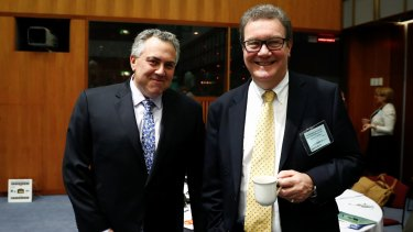 Alexander Downer is a fan of Joe Hockey's Twitter feed.