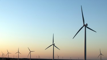 Wind farm self-protection settings played an important role during South Australia's blackout but AEMO says these risks can be managed with better policies and regulation