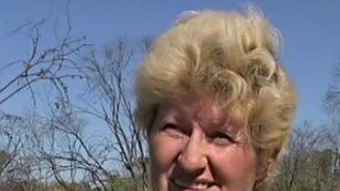 Beth Lawrie walked 25kms through the scorching desert.