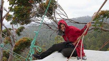 Miranda Gibson enduring extreme weather.
