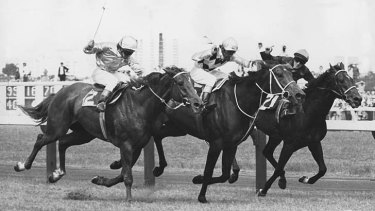 Frank Reys, on Gala Supreme (centre), wins from Glengowan (left) and Daneson.