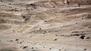 Mad Max filming left tracks in the sensitive Namib Desert, sparking environmental concerns.