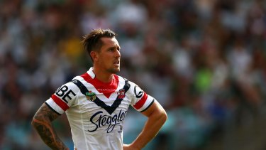 Mitchell Pearce on field for the Roosters in 2015.