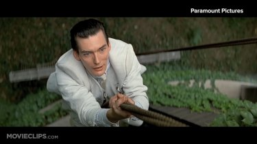 Kevin Costner and Billy Drago star as Ness and Nitti in The Untouchables.