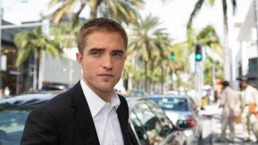 Limo driver: Jerome Fontana (Robert Pattinson).